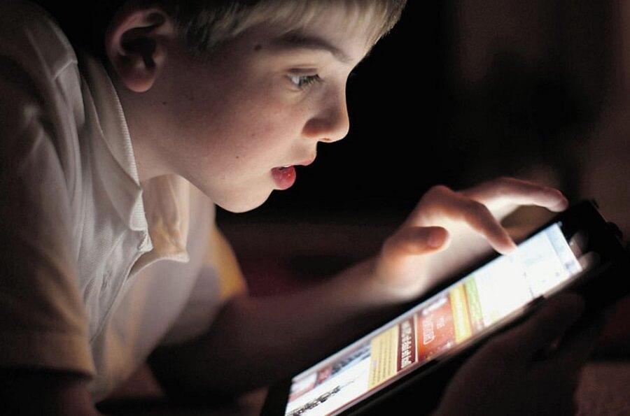 Я запрещаю своим детям играть в страшные мобильные игры