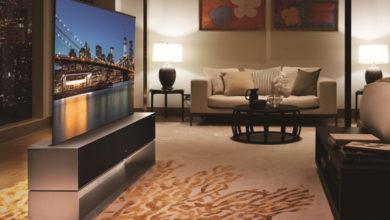 LG выпустила первый в мире телевизор-рулон: Signature OLED R стоит $87 000