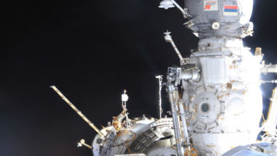 На возможное место утечки воздуха на МКС указал чайный пакетик