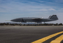 Видео первой пробежки по аэродрому беспилотного ведомого Boeing