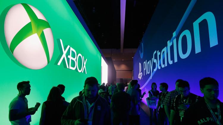 Во что поиграть владельцам PS5, Xbox Series X и S на старте консолей и в преддверии Нового года