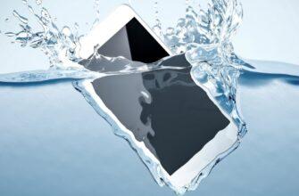 Мужчина нашел iPhone 11, который пролежал под водой 6 месяцев. Телефон все еще работает, и его вернули владелице (видео)